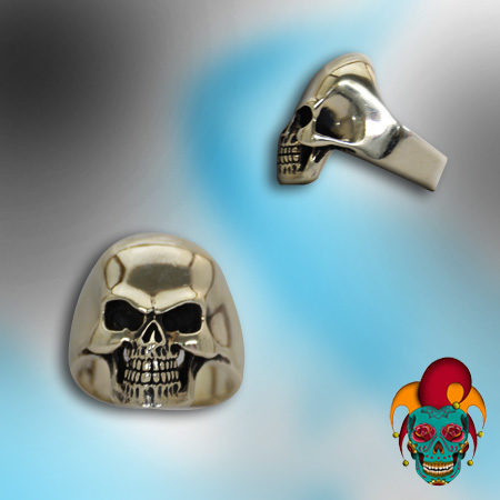 Cracked Shining Skull Silver Ring