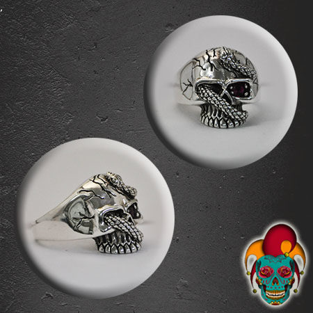 In Bound Skull Silver Ring